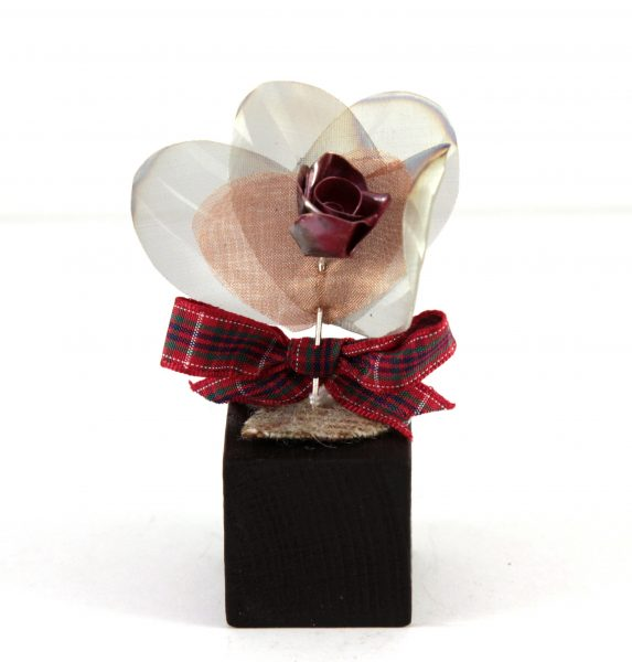 Handmade Rose on Wood with Tartan heart detail_3.5x1.5 (2)