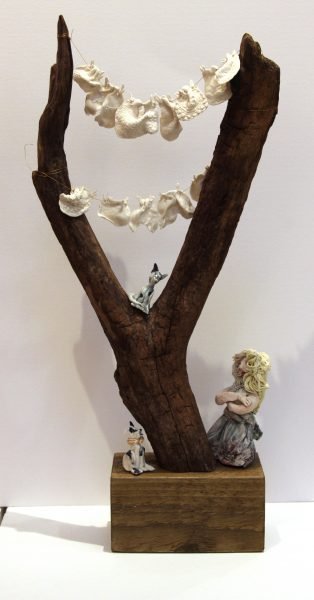 Maralyn Reed Wood_Original_ceramic and Driftwood_Washing Line IV_24.5x11x4 (6)