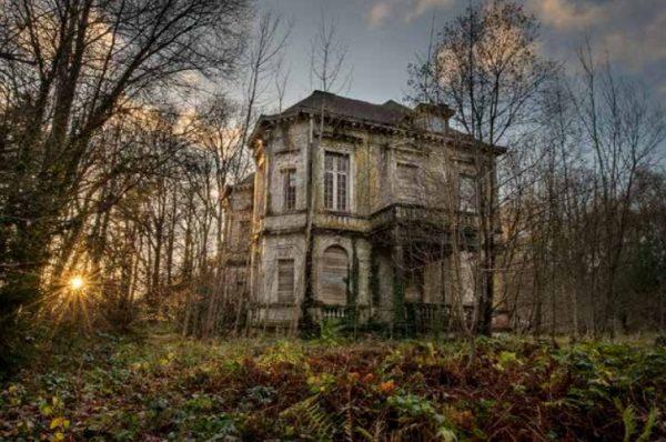 Daanoe_House of Treasures_120x80cm